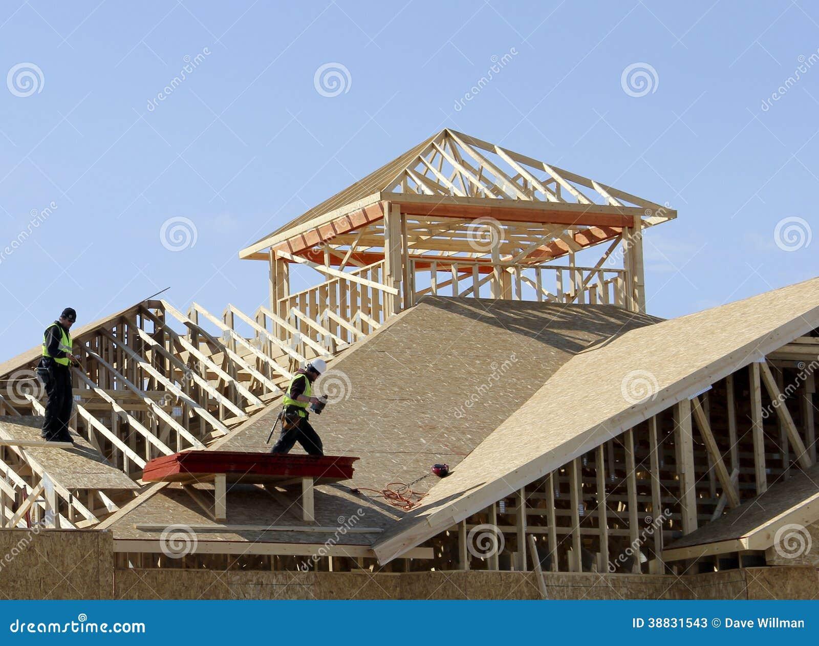 Tischler auf dem Dach