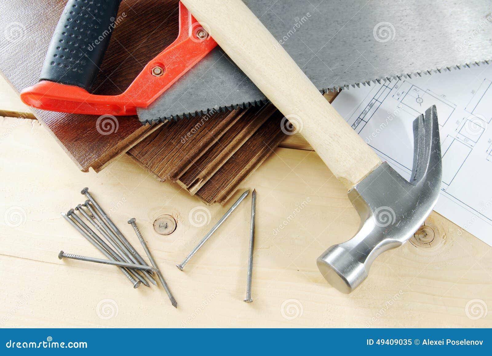 Download Tischlerarbeitsgeräte Auf Dem Werktisch Stockbild - Bild von zeichnung, plan: 49409035