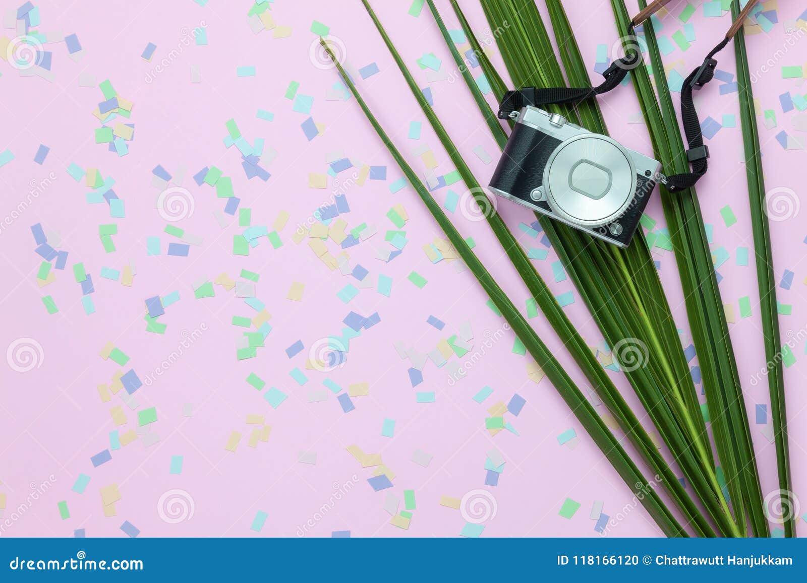 Tischplatteansicht-Luftbild von den Einzelteilen, zu reisen Sommerferien-Hintergrundkonzept