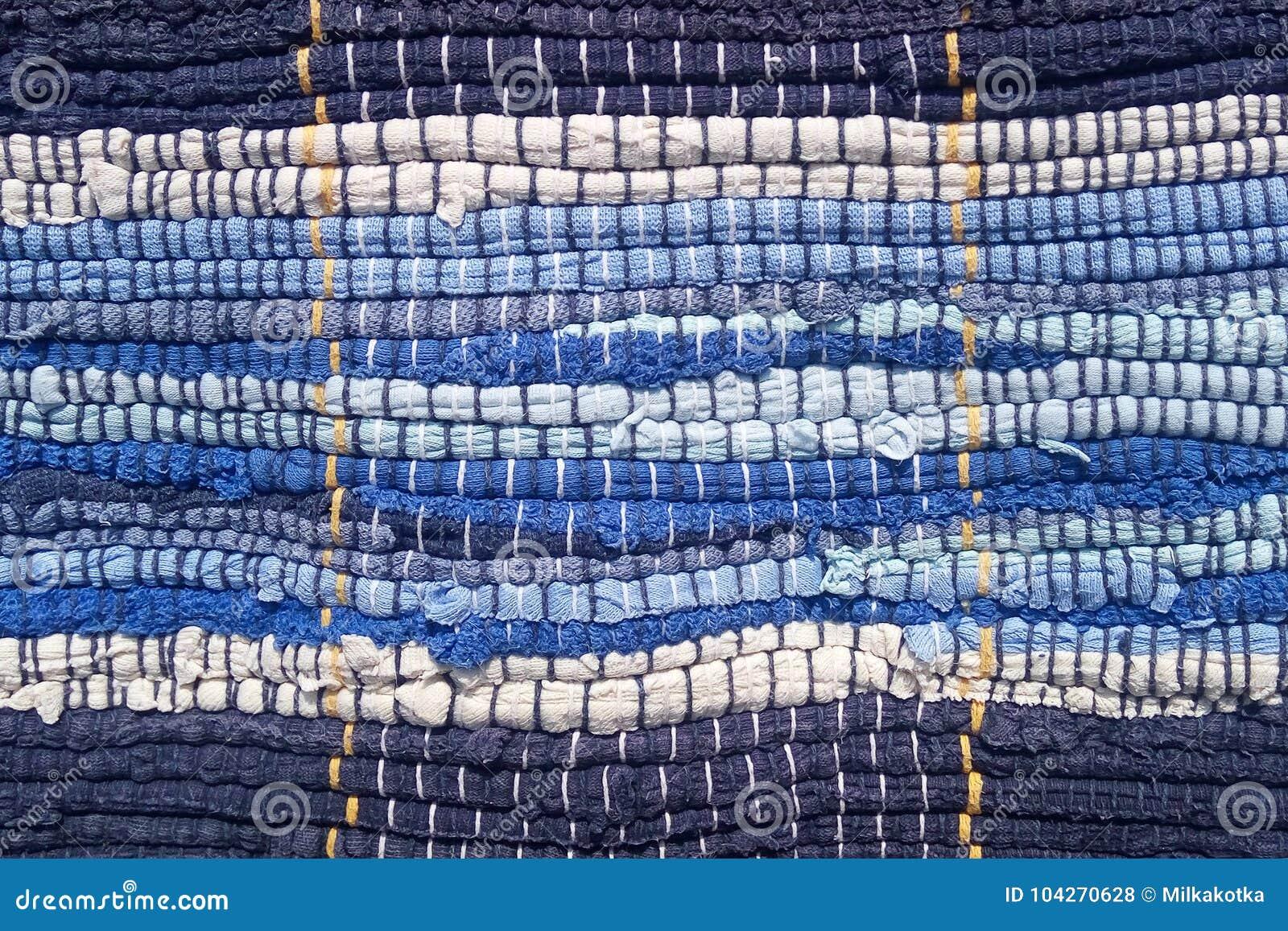 Tissu cousu des bandes de tissu Couture, réutilisation des matériaux Bandes de bleu dans un style marin