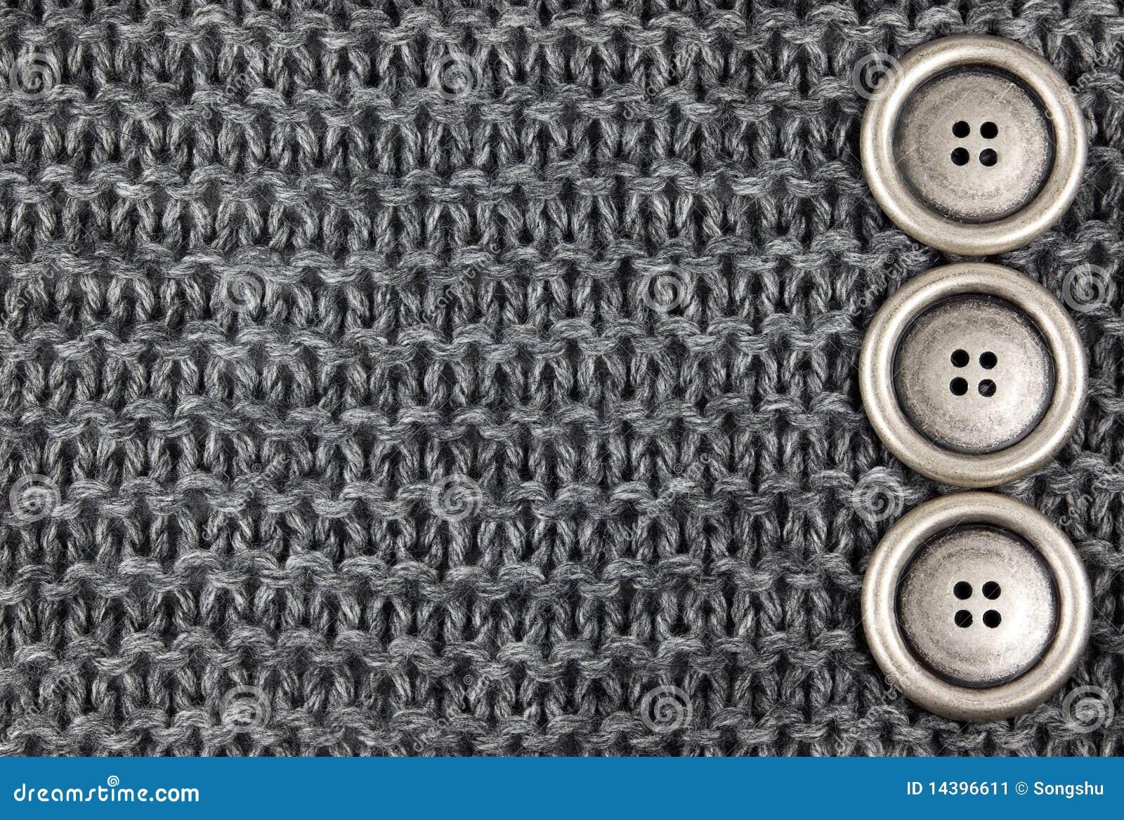 Tissu et boutons tricotés