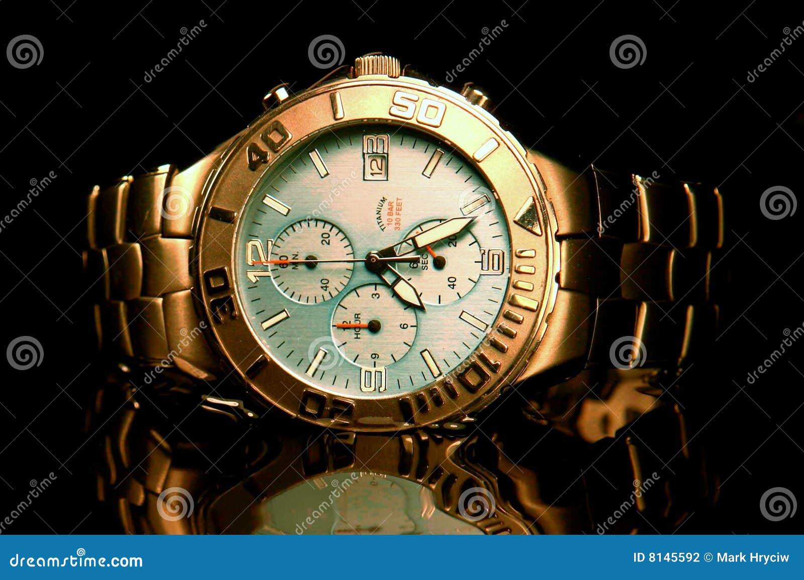 Titane de la montre-bracelet des hommes