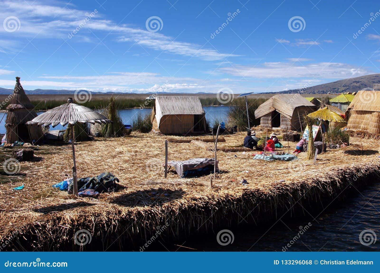 Titicacameer en drijvende eilanden - Peru