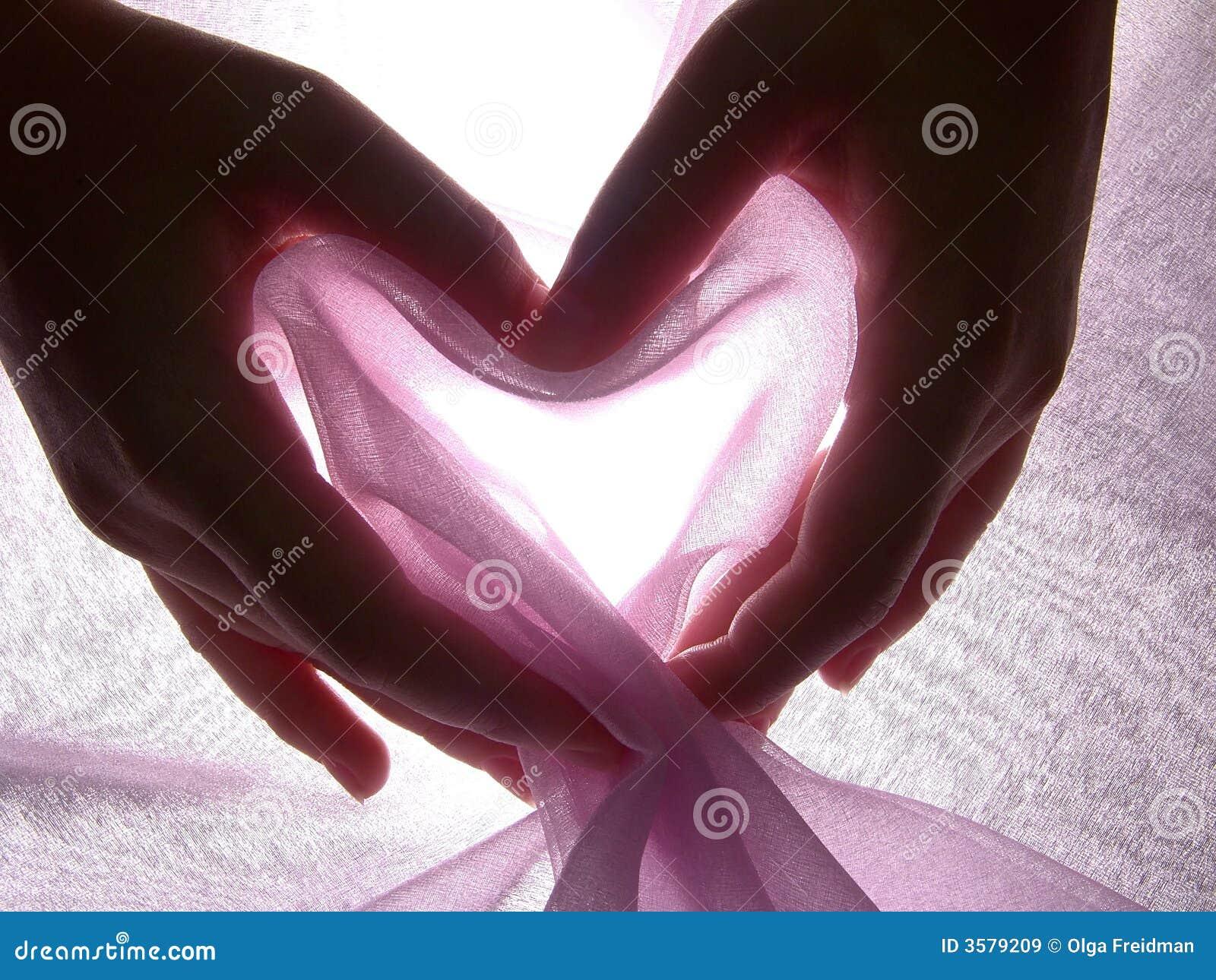 Tkaniny rąk serce robi