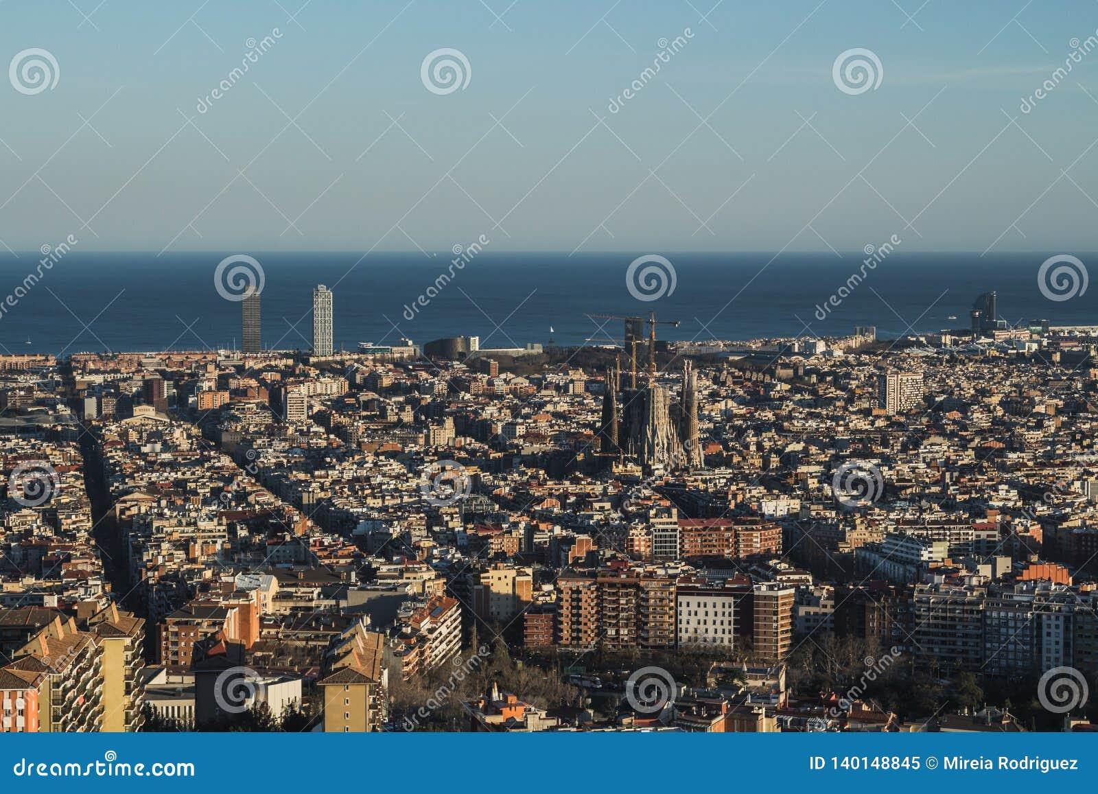To jest spektakularny widok Barcelona, Hiszpania W obrazku ja może dostrzegający Sagrada Familia Święta rodzina Antoni