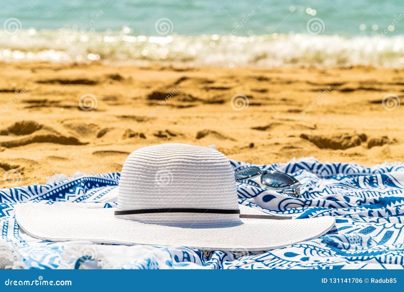 En Verano PlayaSombrero Y Gafas De Foto Redondos Toalla Sol dCBQrxoeW