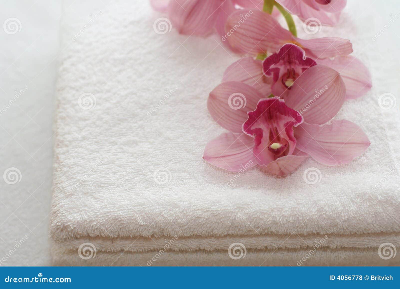 Toallas de baño con las orquídeas