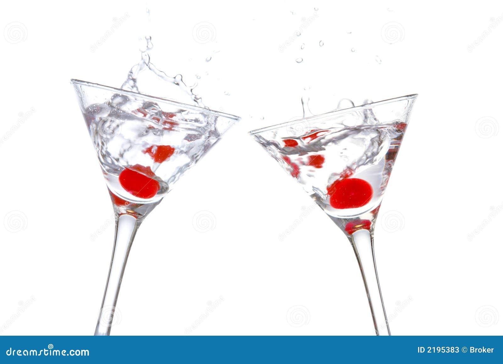 Toast mit dem zwei Cocktail glasse