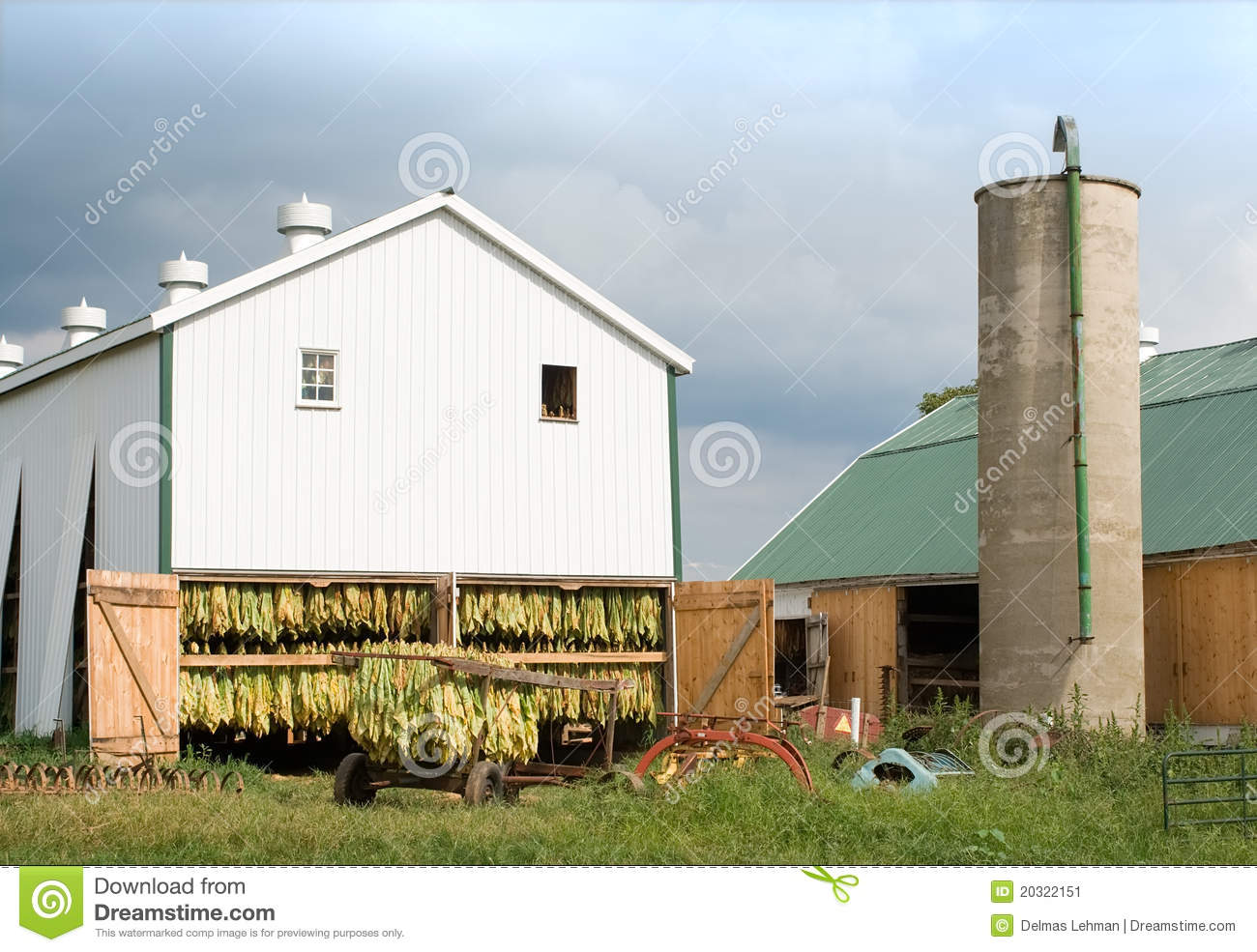 Tobacco barn and wagon stock image image 20322151 for Tobacco barn house plans