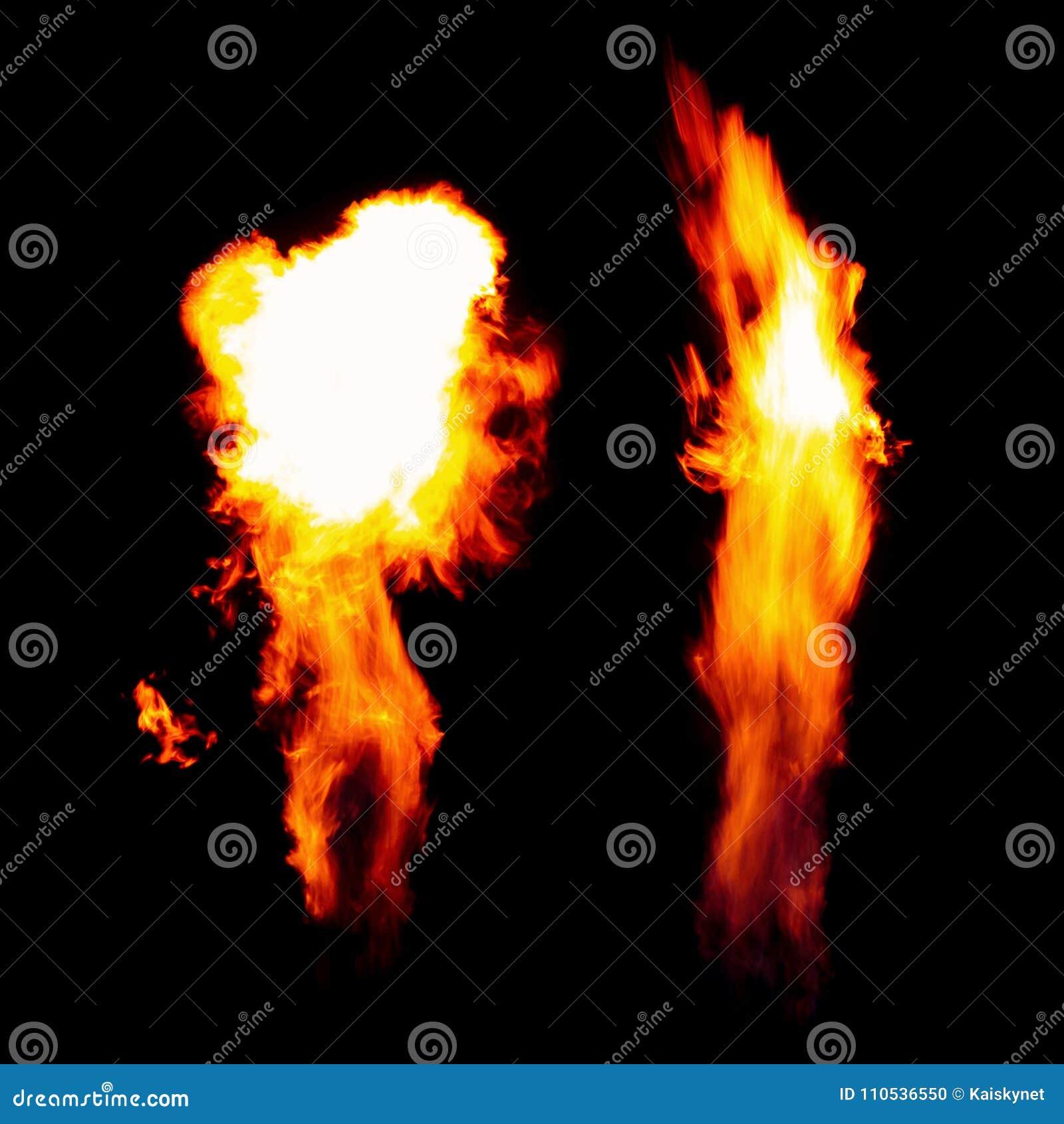 Tocha ardente, chamas na obscuridade isoladas no fundo preto