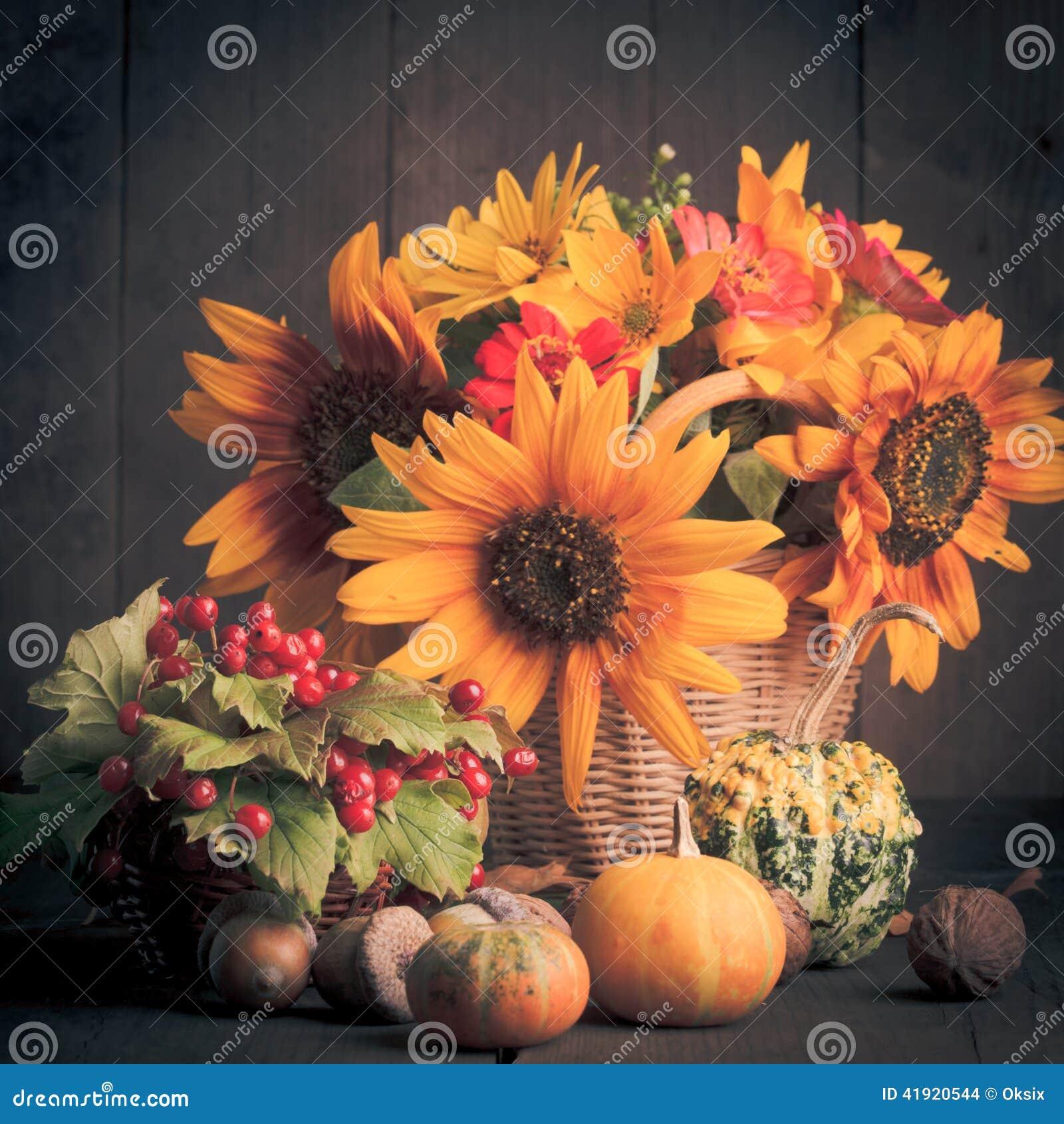 Todavía vida en colores del otoño