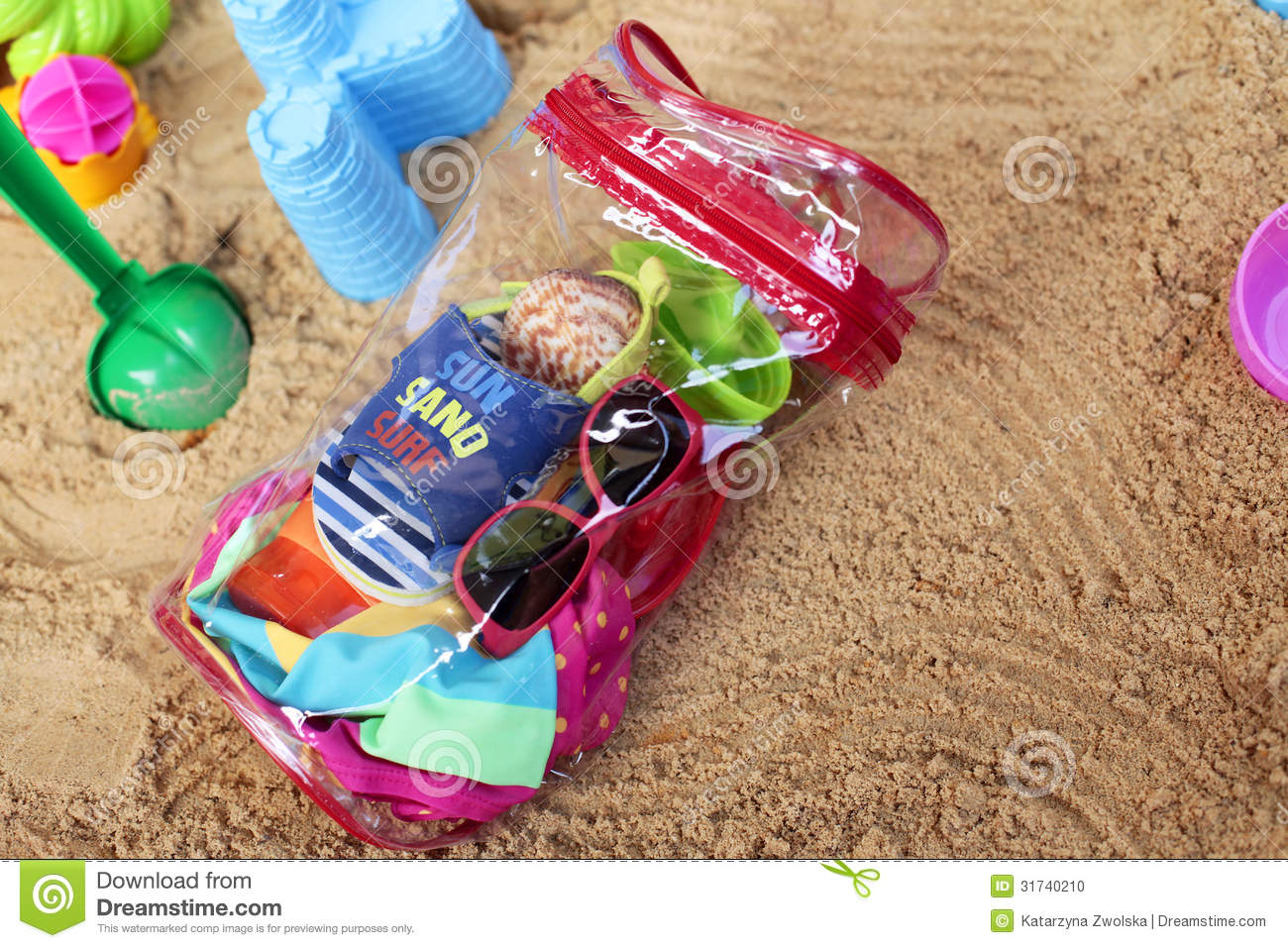 Toddler Beach Bag Stock Photo - Image: 31740210