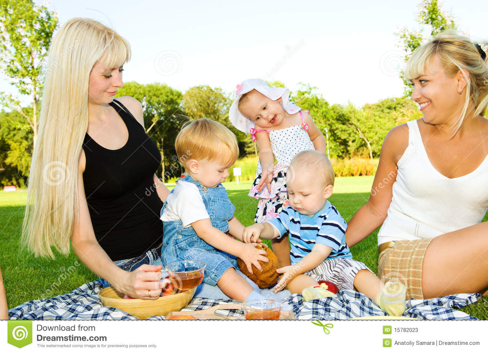 Toddler kids eating cake