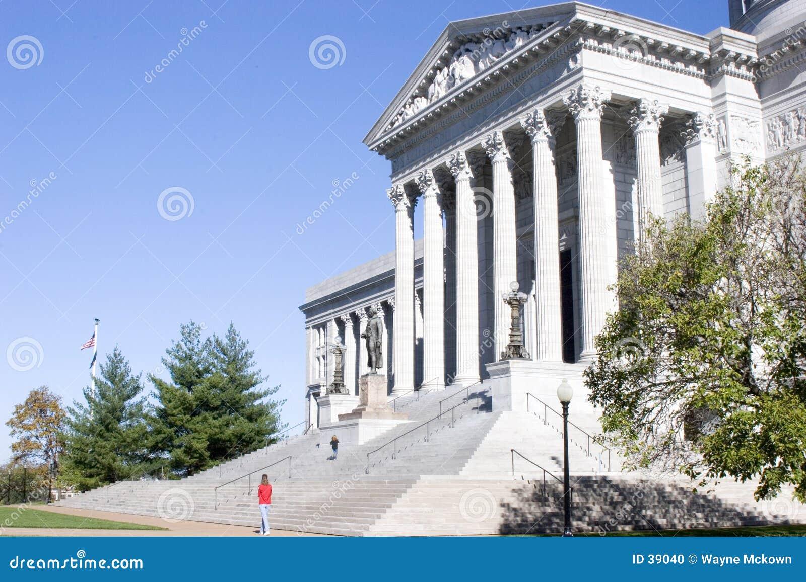 Toeristen bij het Capitool van de Staat van Missouri