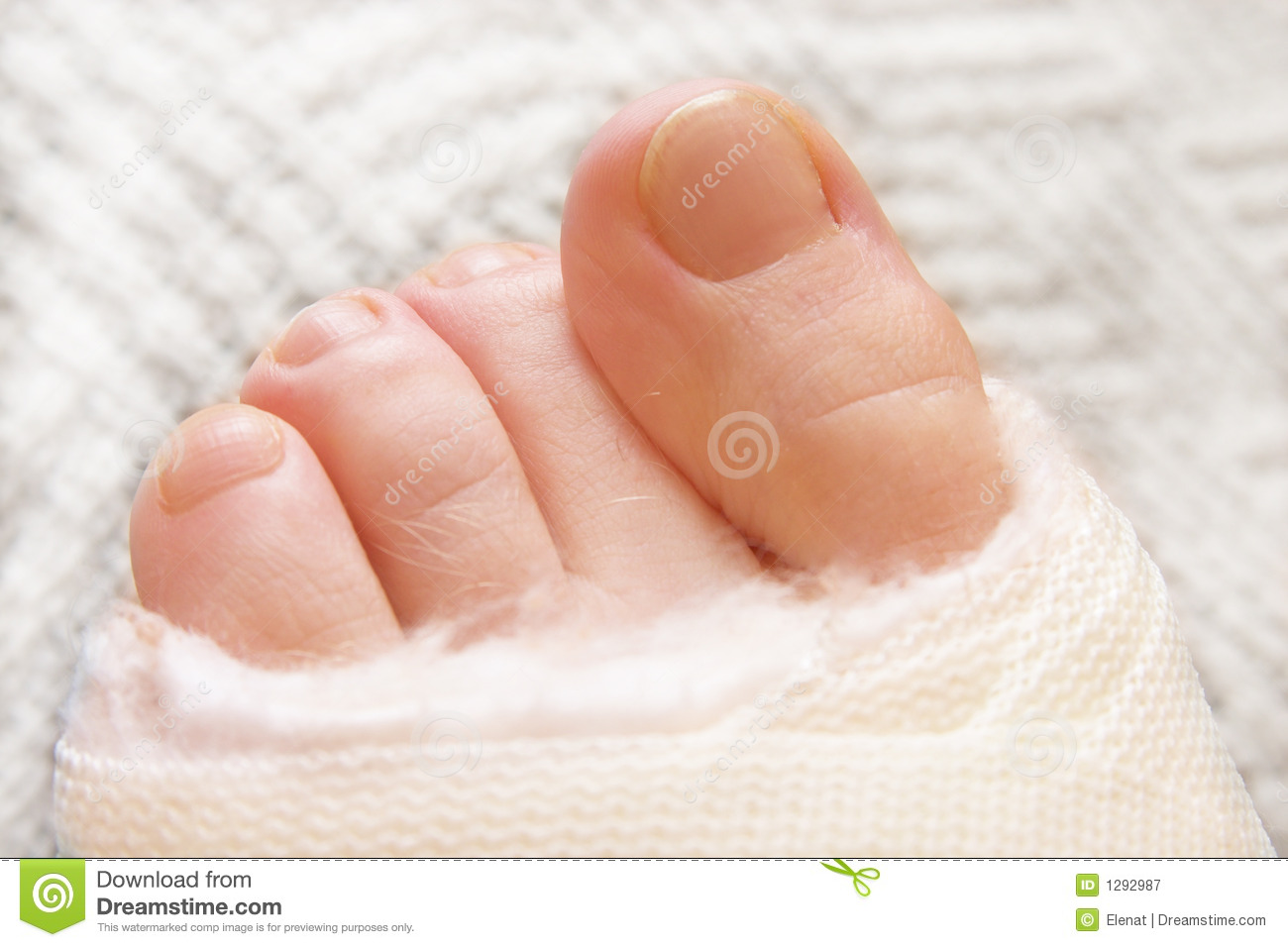 Toes3