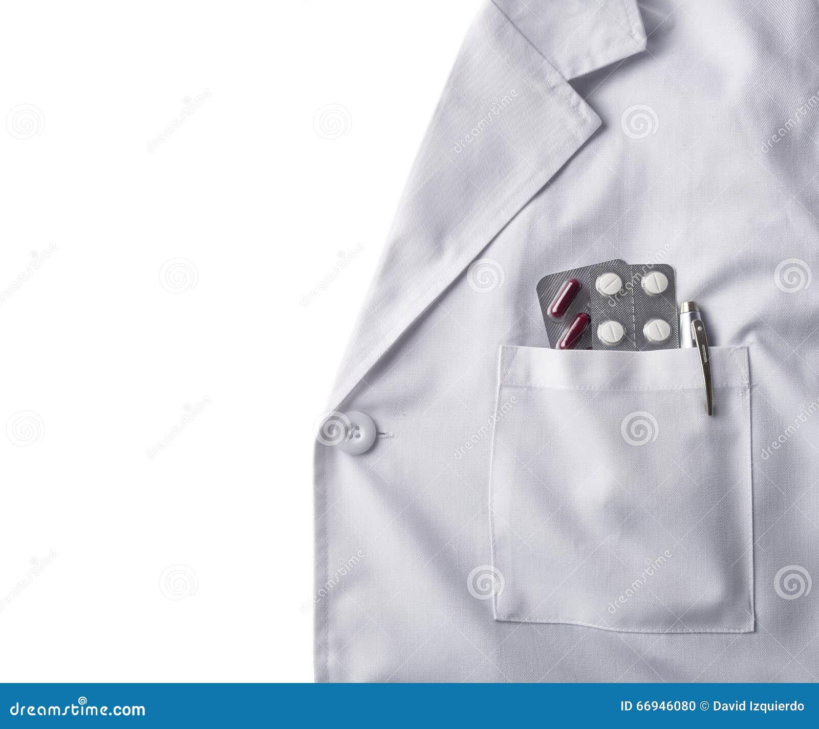 Toga bielu lekarka z pigułki tłem