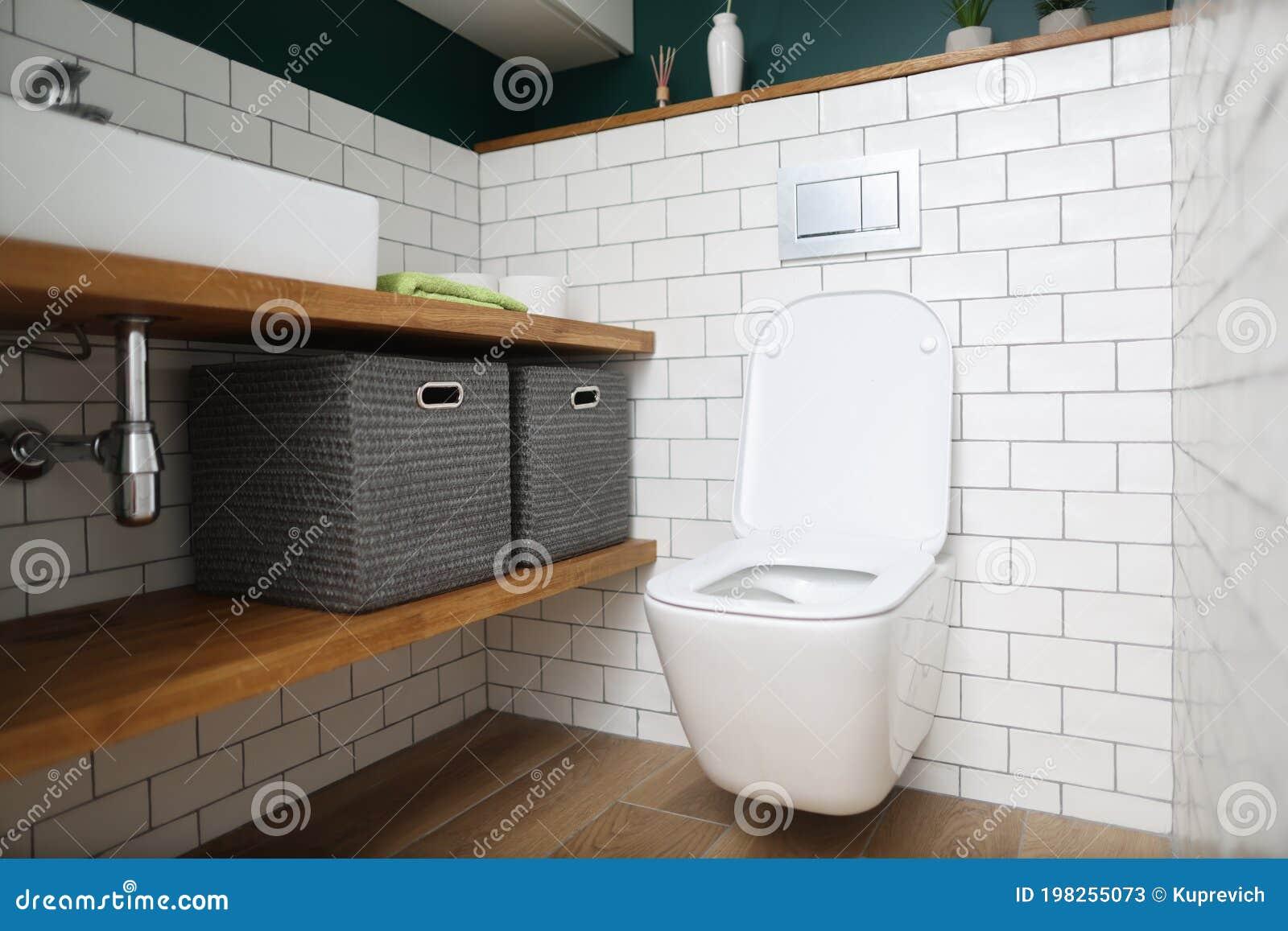 Plumbing hookup toilet How to