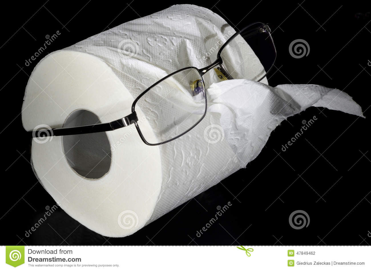 how to clean glasses with toilet paper