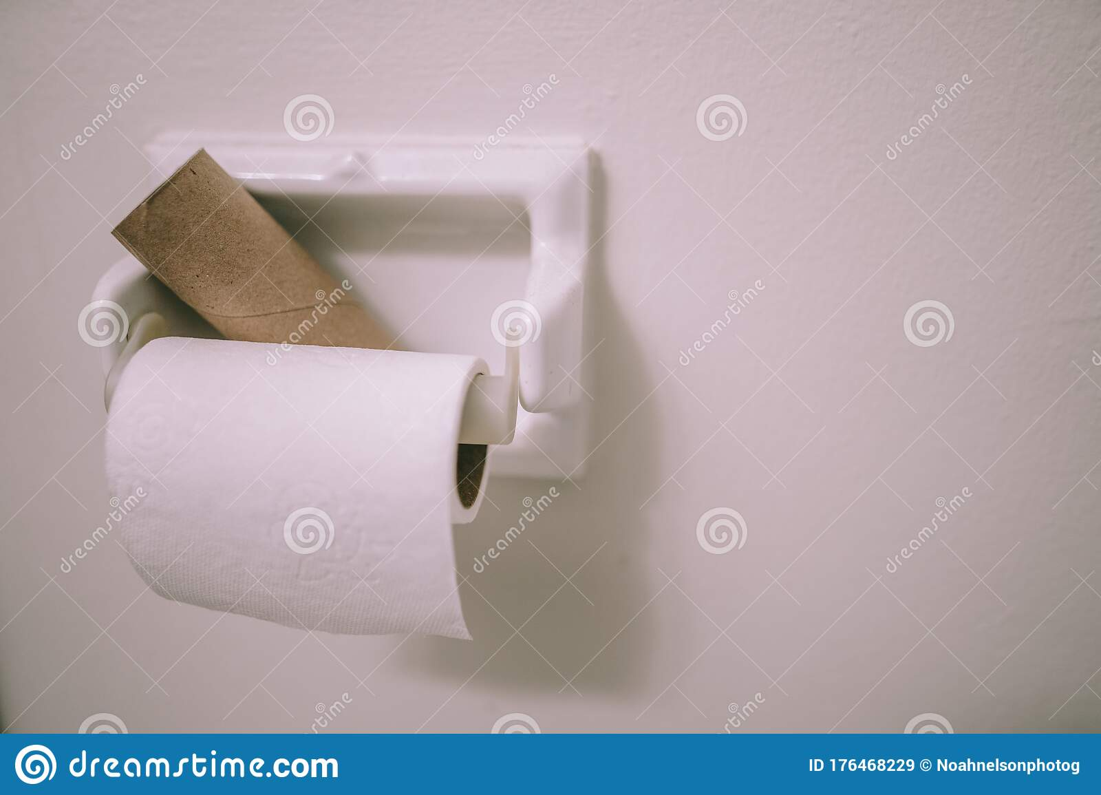 Empty Toilet Paper Roll Shortage Stock Image Image Of Shortage Cleanliness 176468229