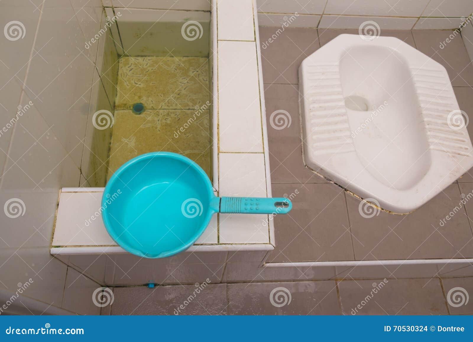 Toilet thaise stijl stock foto afbeelding bestaande uit toilet