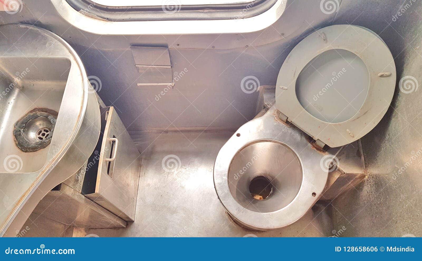 Toilette eines Zugs