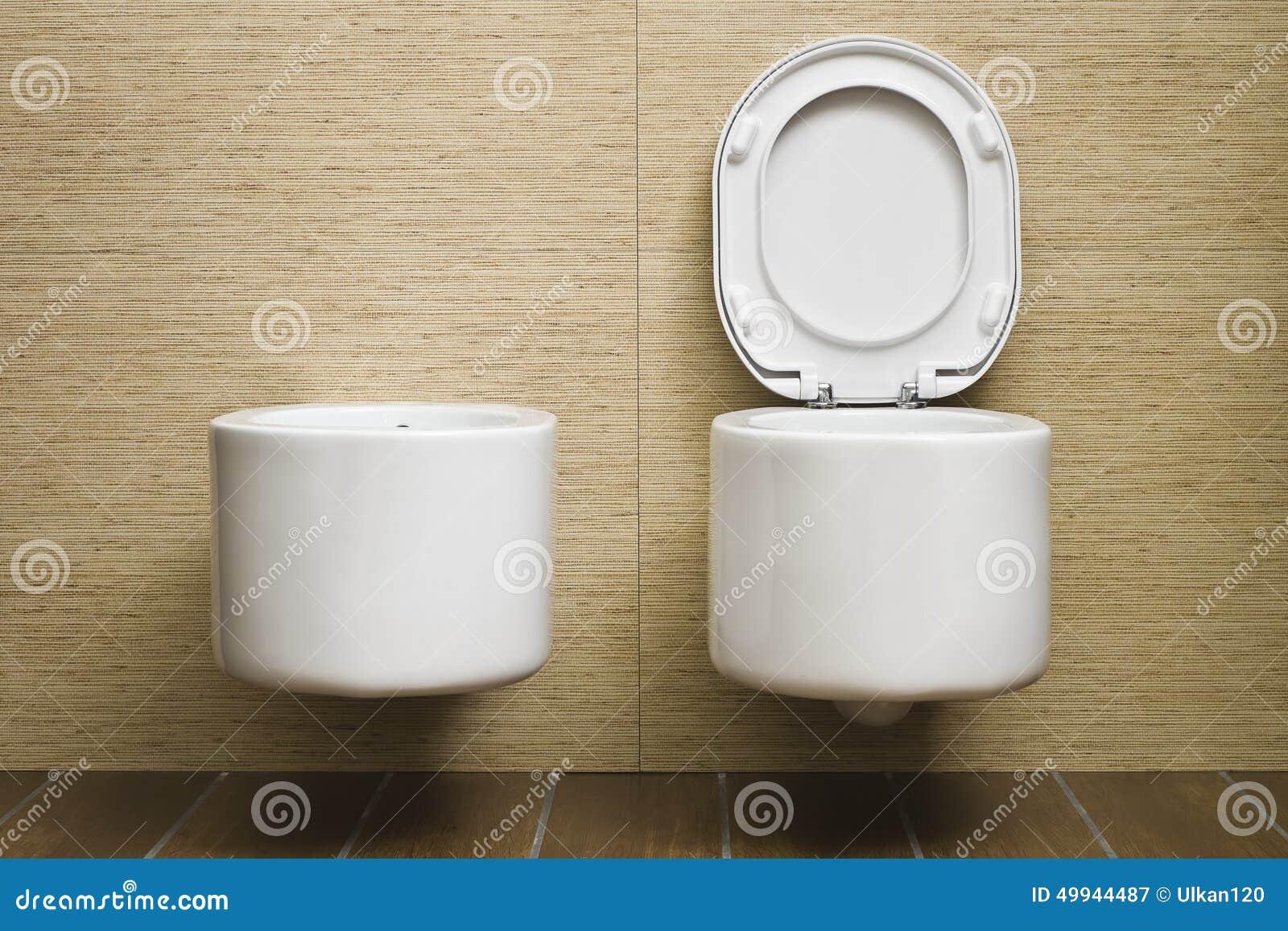 photo toilette moderne alene workman ocean penthouse by alene workman design table de toilette. Black Bedroom Furniture Sets. Home Design Ideas