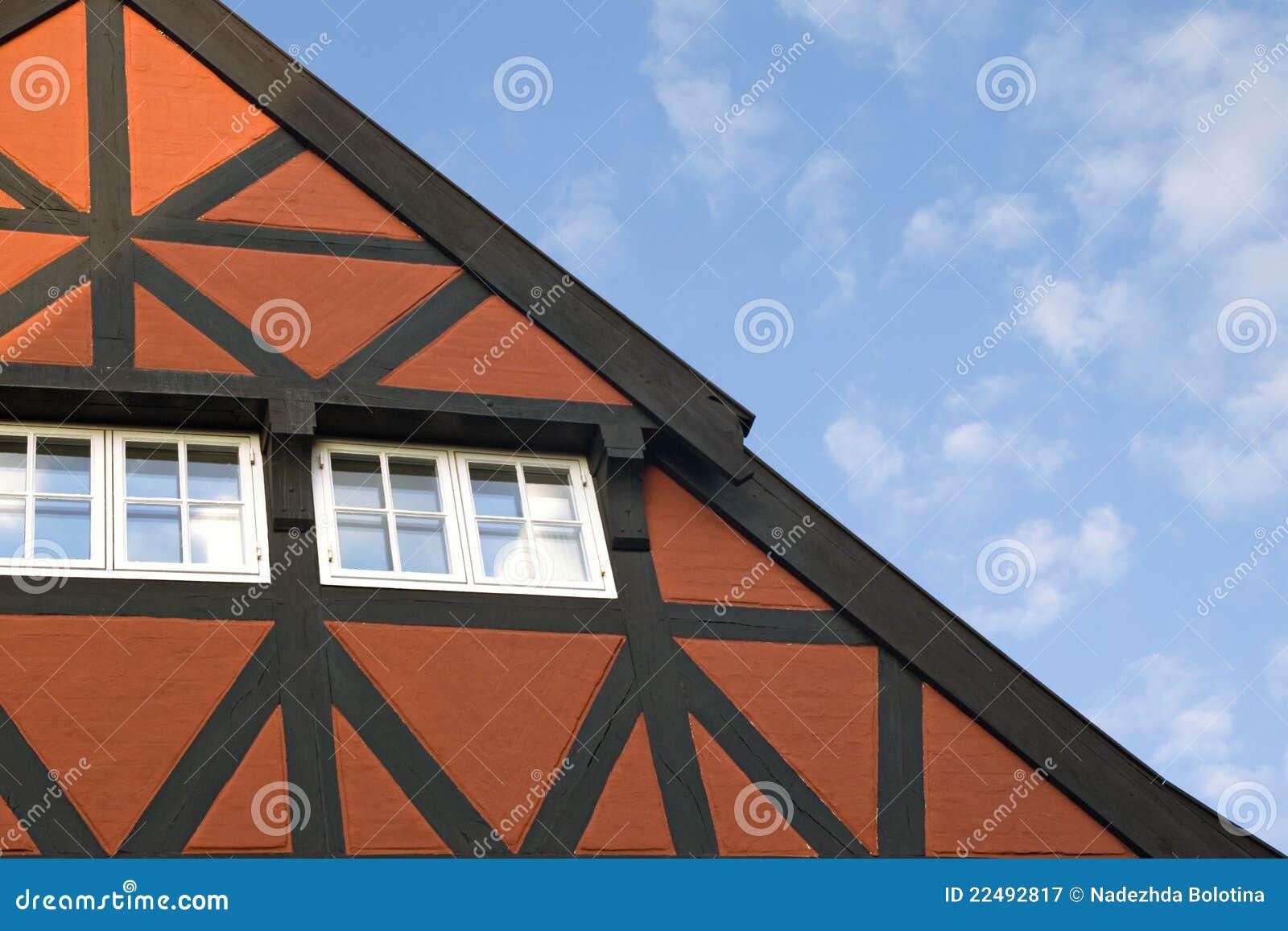 toit d 39 une maison bavaroise photographie stock libre de droits image 22492817. Black Bedroom Furniture Sets. Home Design Ideas