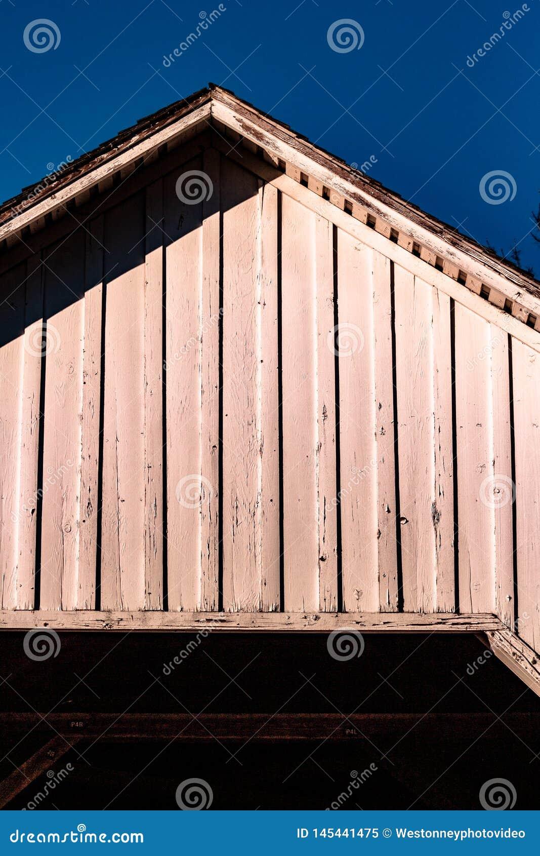 Toit de pont couvert dans Corvallis Orégon