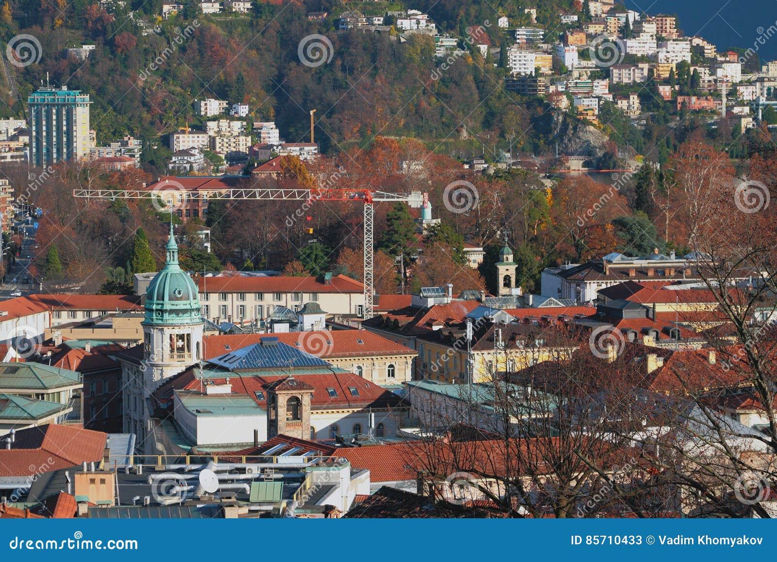 Toits de ville et de tuile Lugano, Suisse