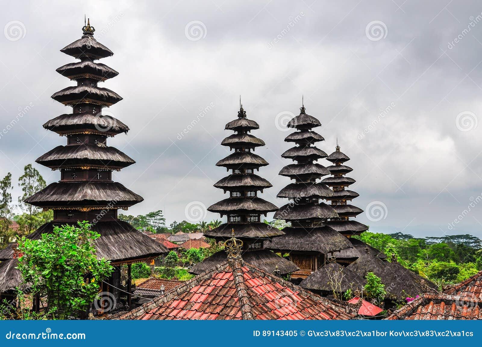 Toits en Pura Besakih Temple, Bali, Indonésie