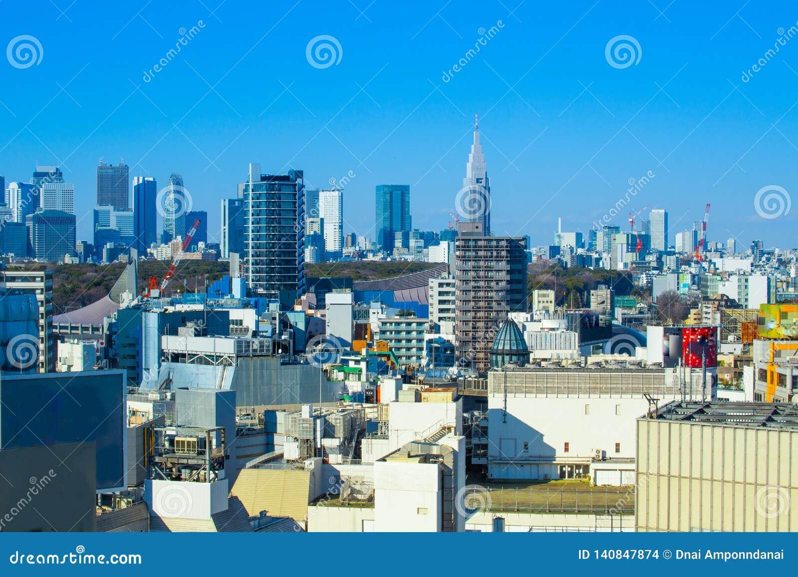 Tokyo horisont i trevlig dag