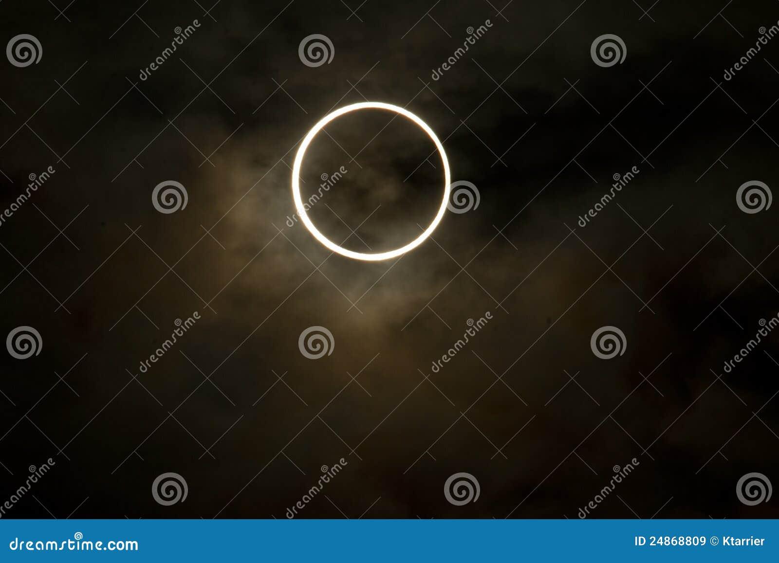 Tokyo, Japon - 21 mai : Éclipse annulaire