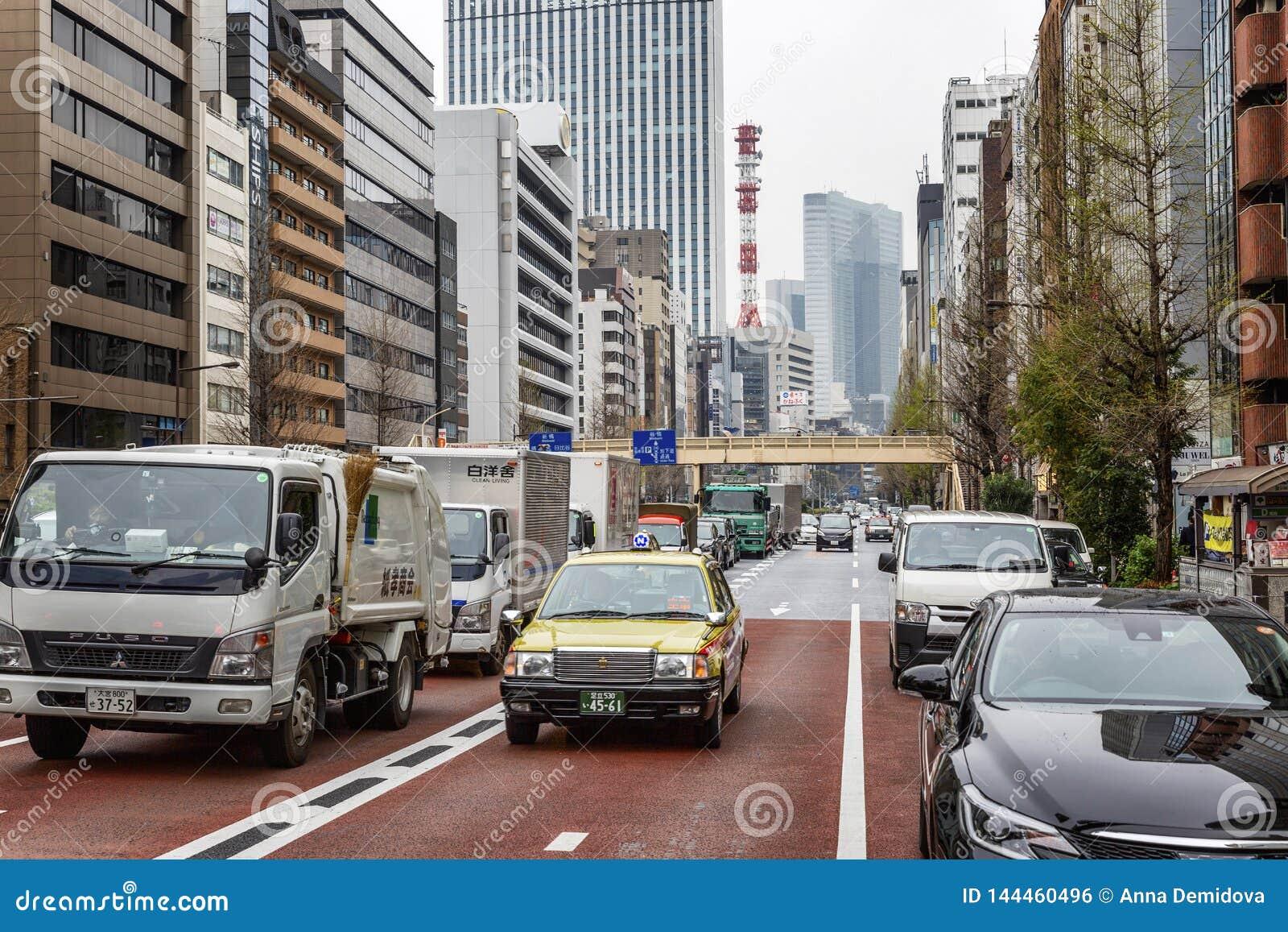 Tokyo, Japon, 04/08/2017 Embouteillage sur une rue de ville