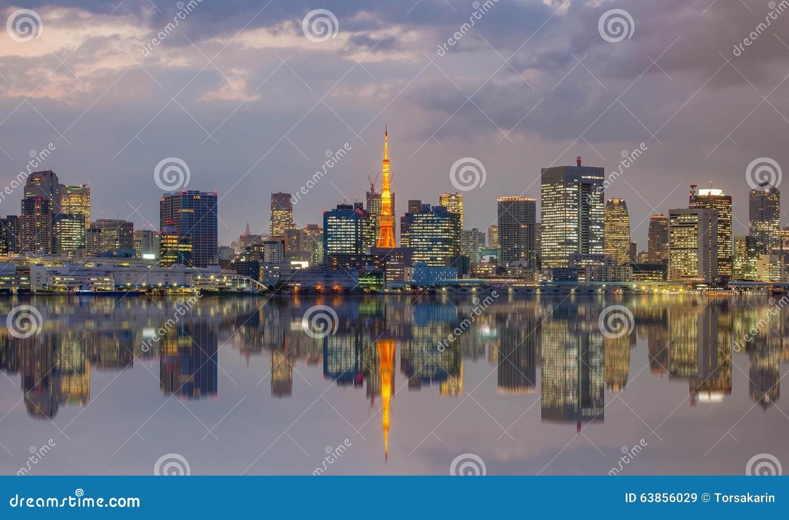 Tokyo-Stadtansicht und Tokyo-Turm