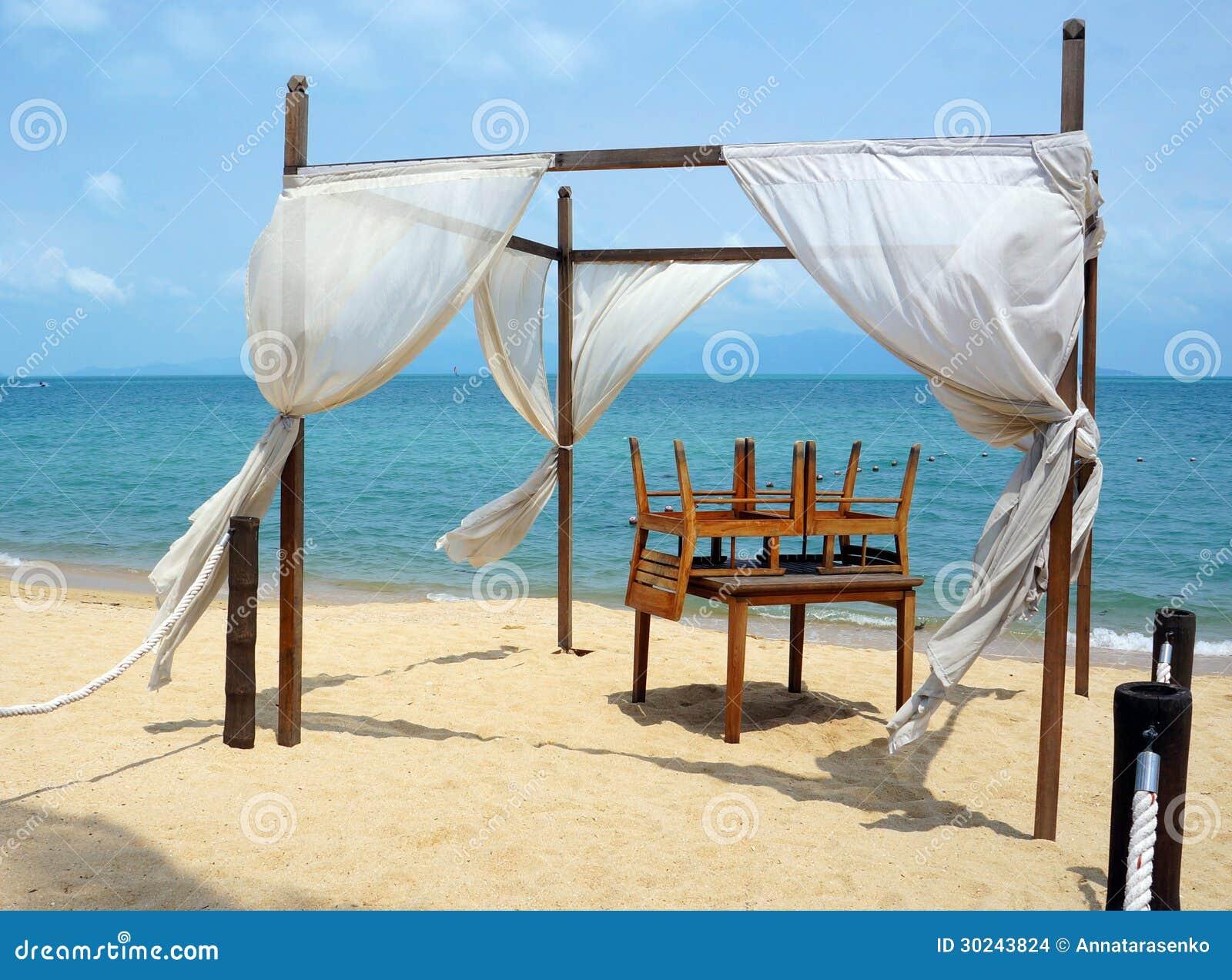 Toldo rom ntico en la playa imagenes de archivo imagen 30243824 - Toldos para la playa ...