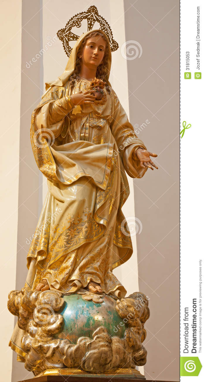 Toledo carved and polychrome statue of virgin mary in