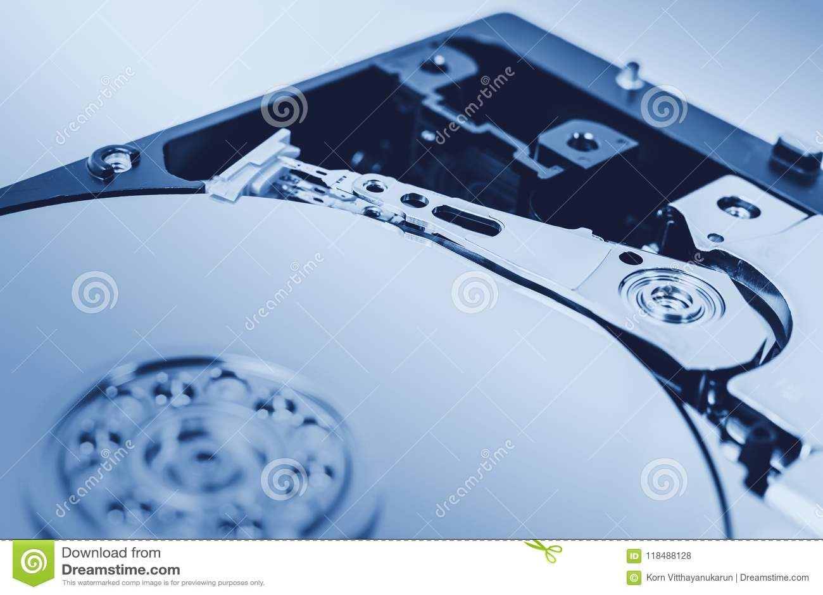 Tom azul da cor do close up da movimentação de disco rígido HDD do computador