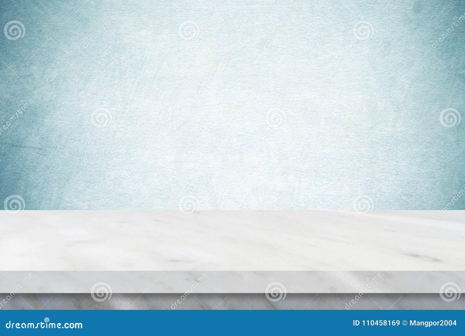 Tom vit marmortabell över grön cementväggbakgrund, bann