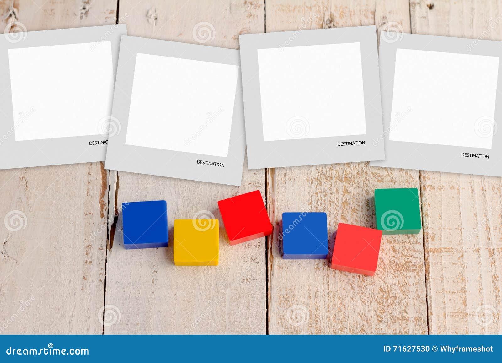 Tom vykort med färgrika plast- kvarter
