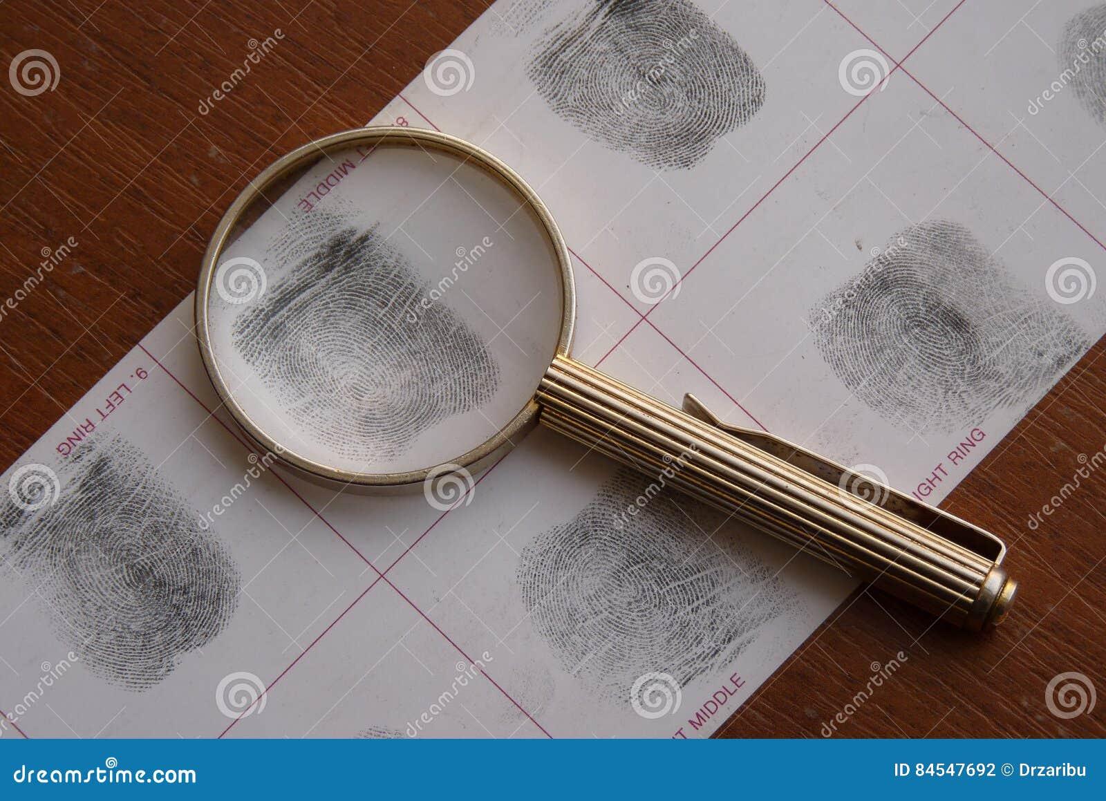 Toma as impressões digitais o exame