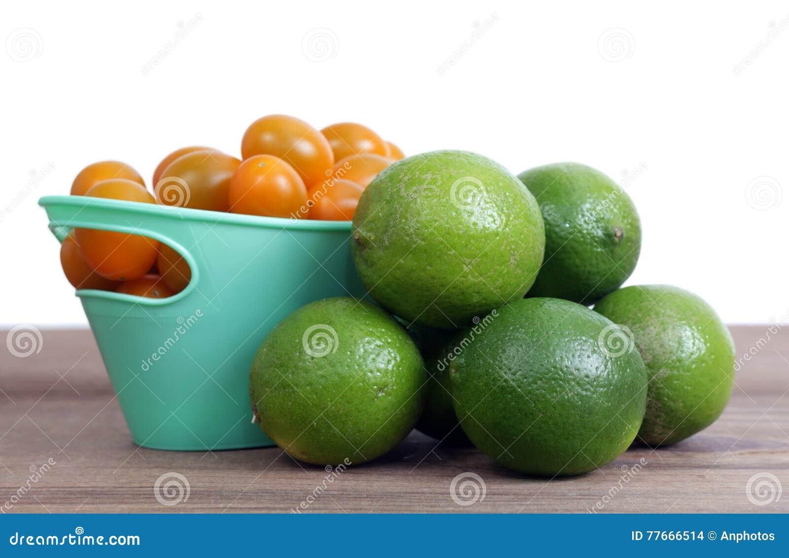 Tomat och limefrukt