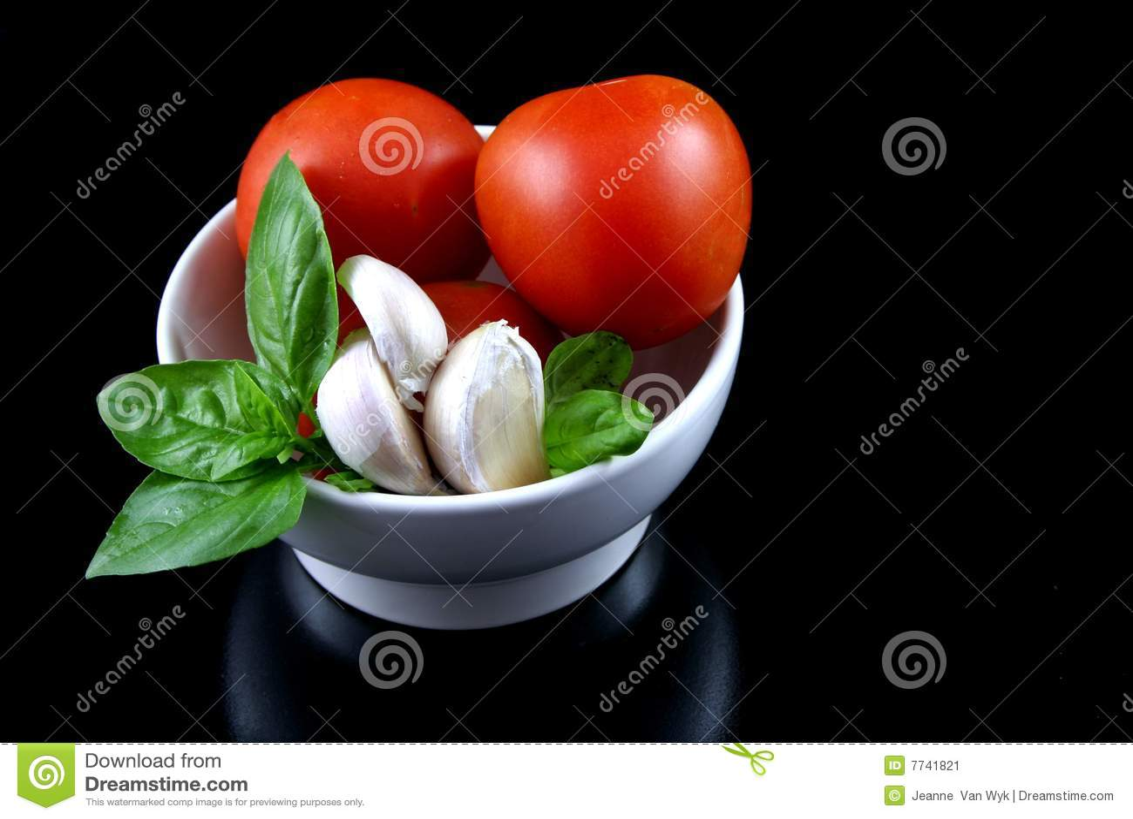 tomate basilikum knoblauch 3 stockbild bild 7741821. Black Bedroom Furniture Sets. Home Design Ideas