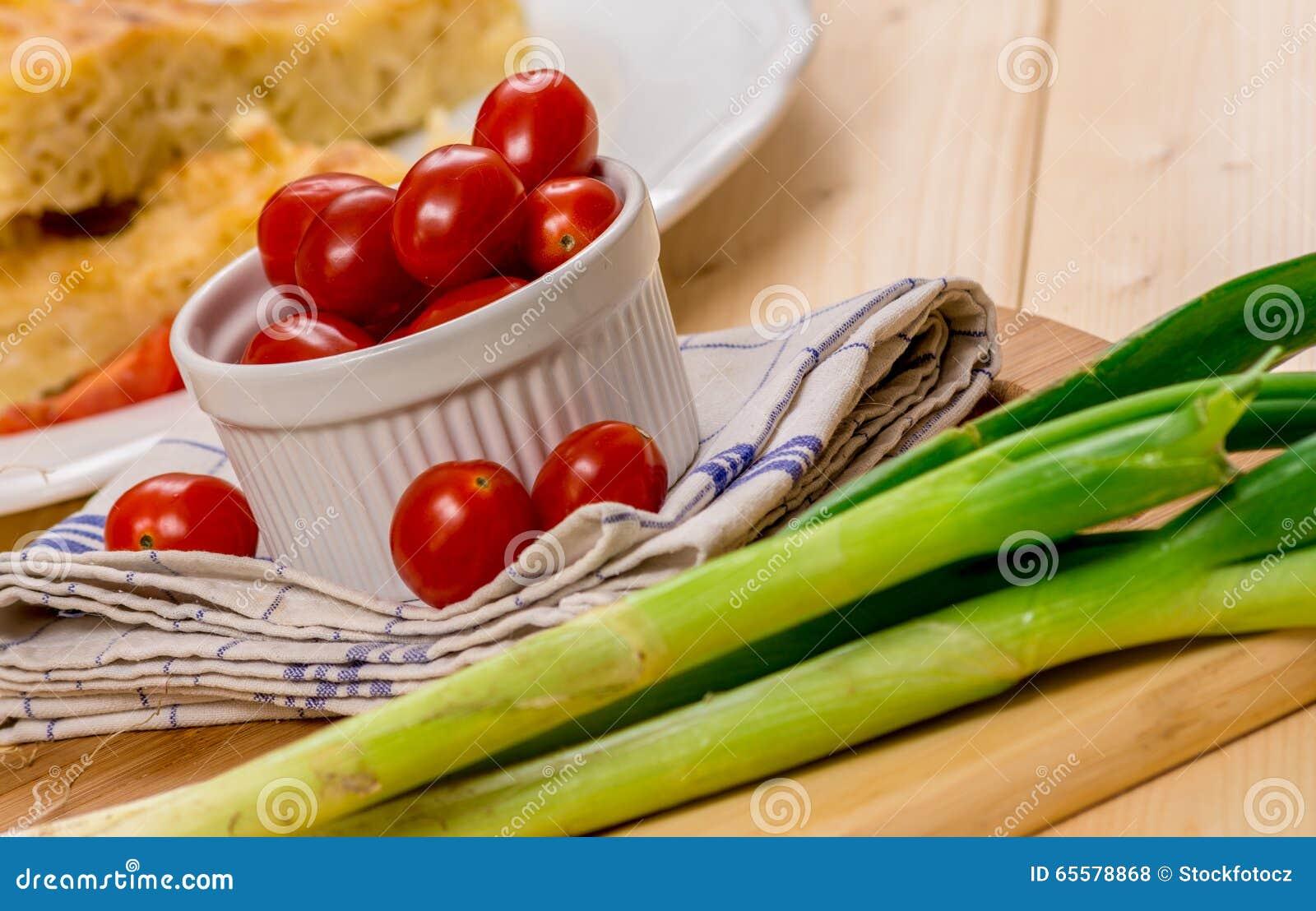 Tomate de cereja na tabela