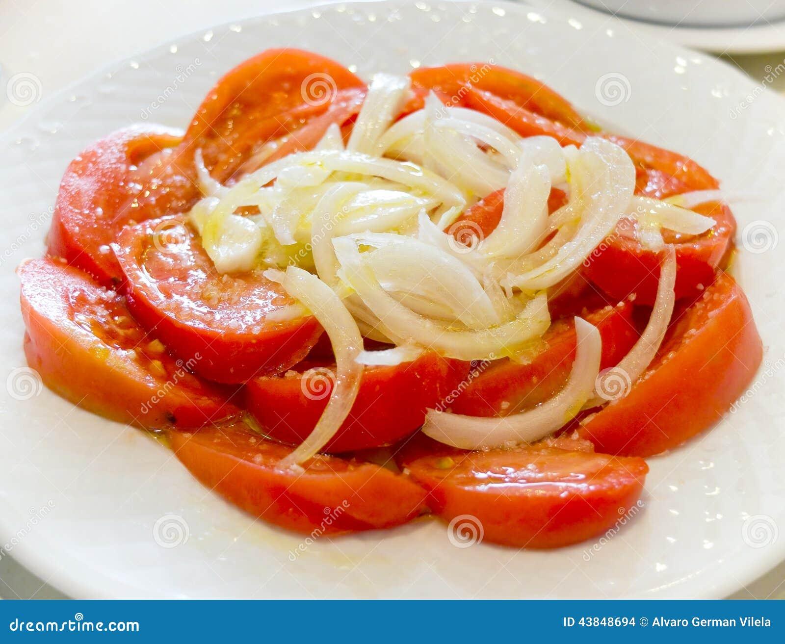Tomates e salada da cebola