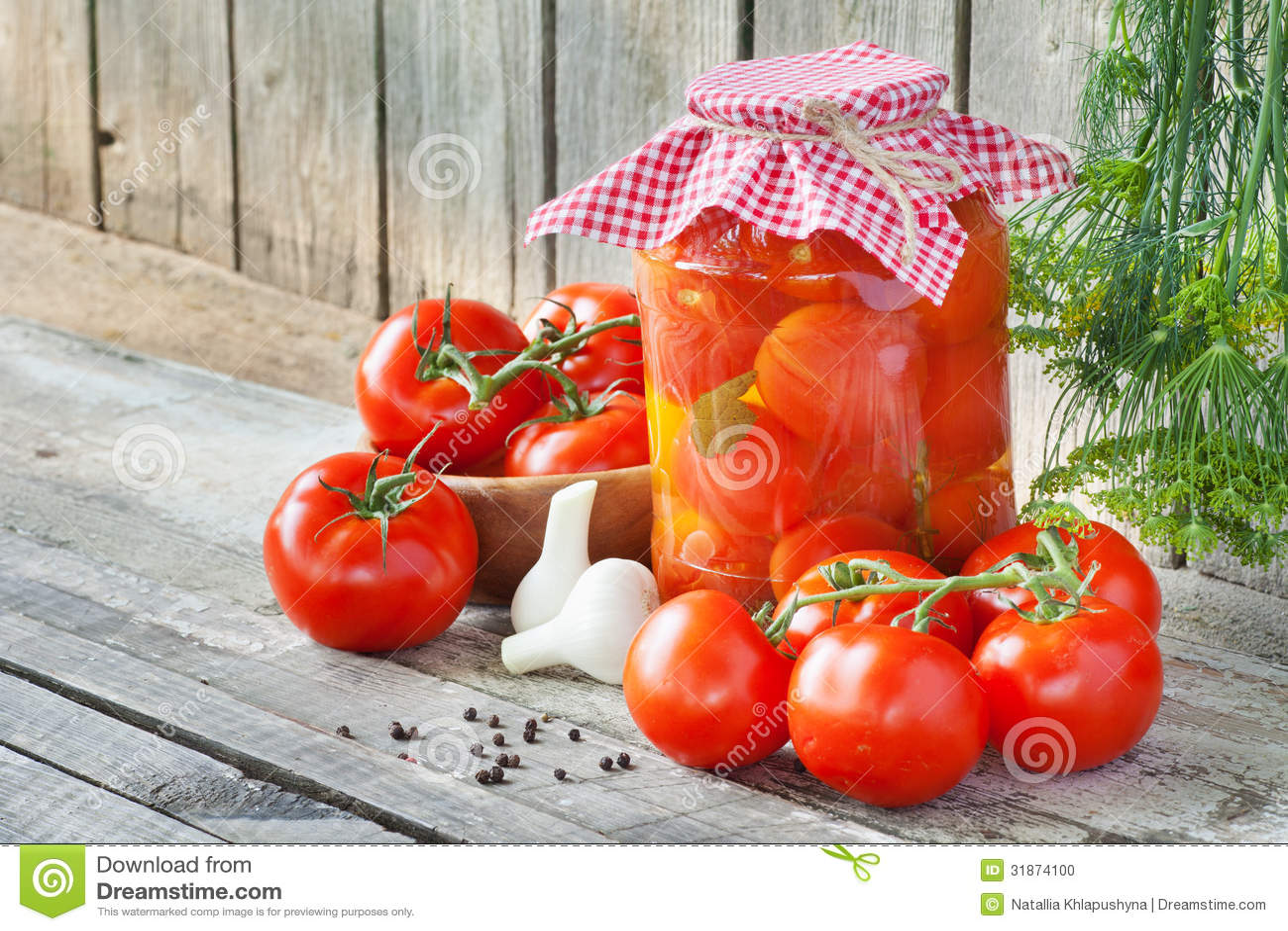 Tomate En Pot Conseil tomates fraîches et en boîte photo stock - image du