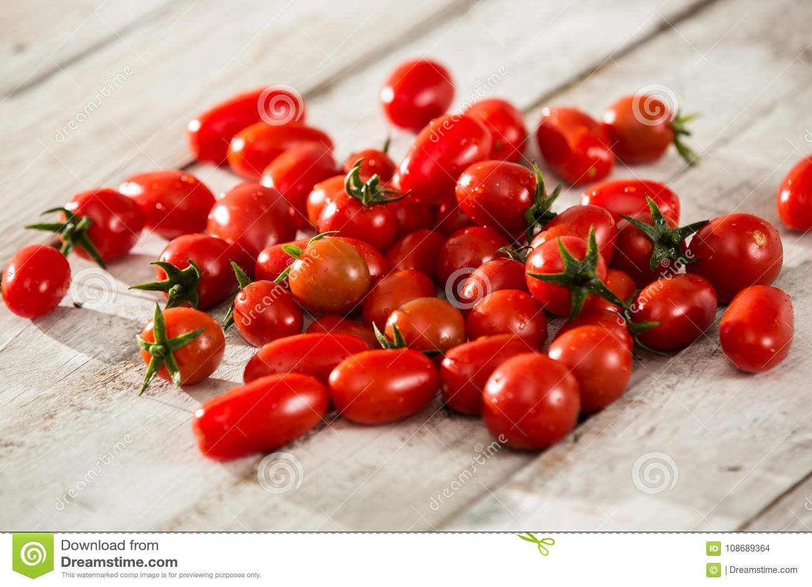 Tomates frescos Fundo vermelho dos tomates Grupo de tomates