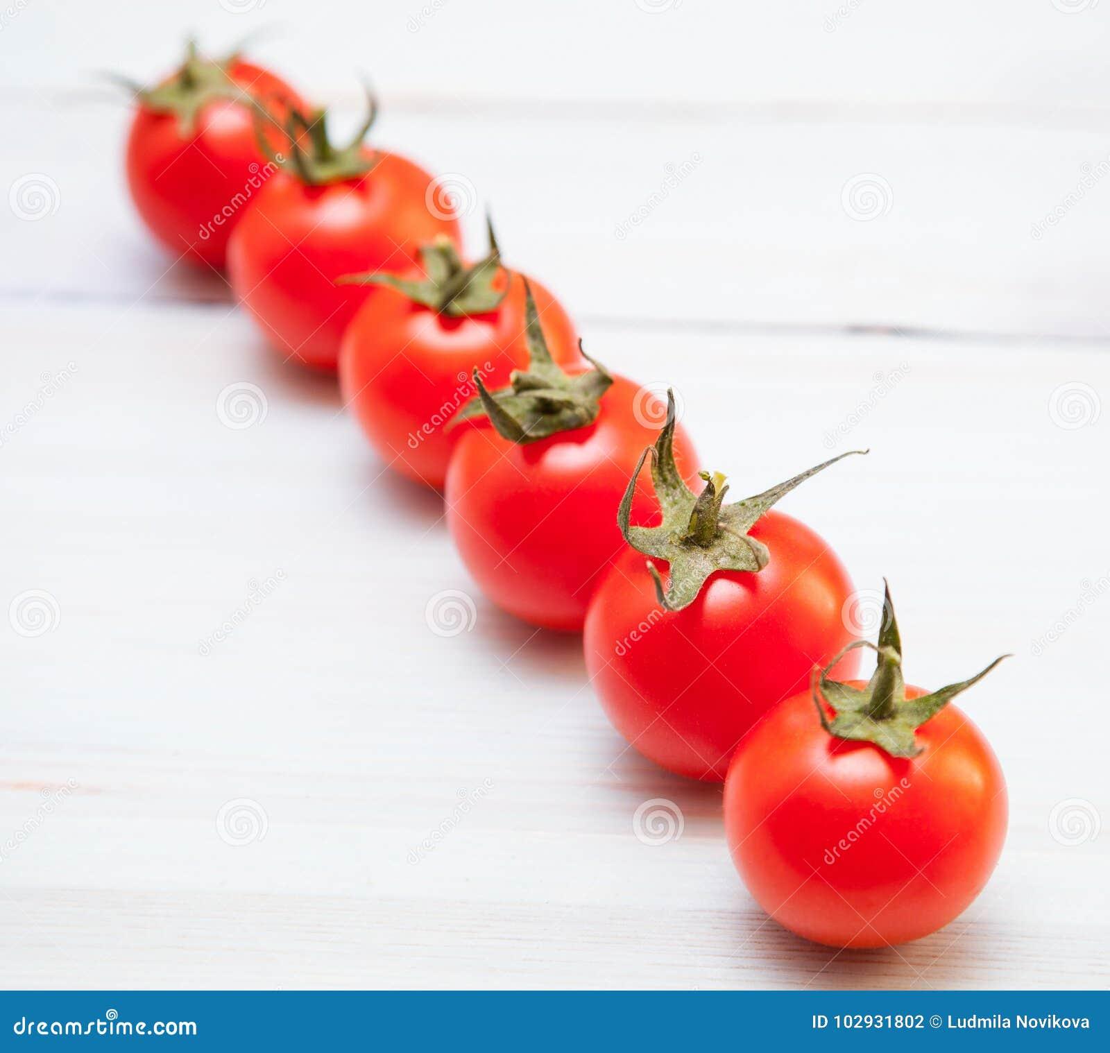 Tomates frescos saborosos