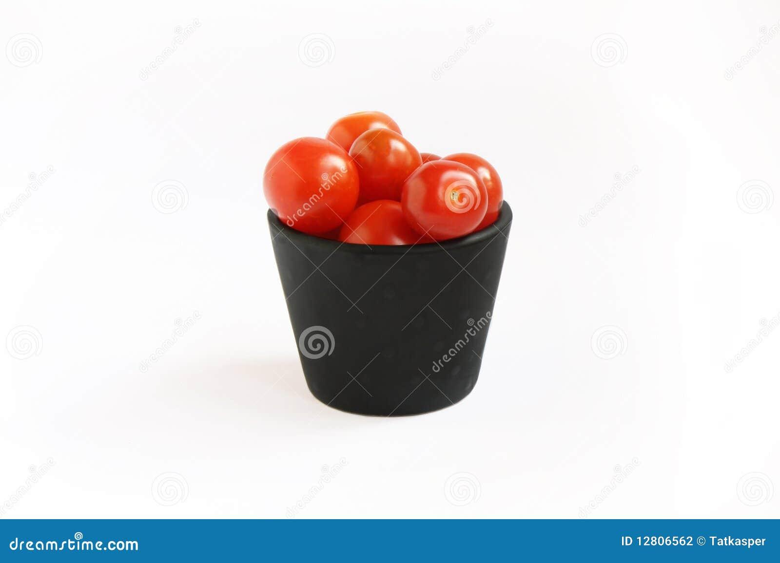 Tomates na cubeta