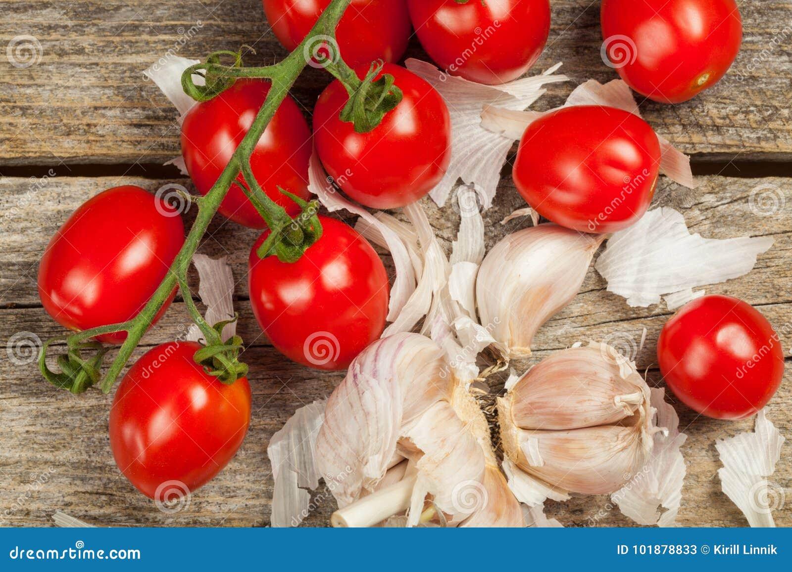 Download Tomatoes and garlic stock image. Image of macro, food - 101878833