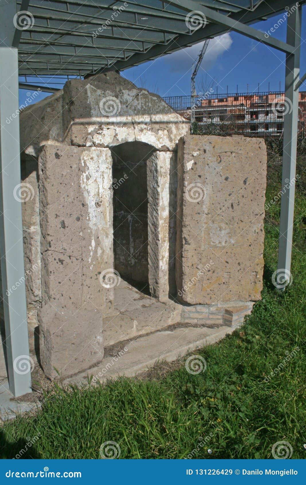 Tomba di pietra di Capua